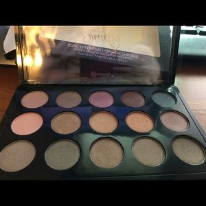 BH cosmetics wet/dry dual effect palette NEW